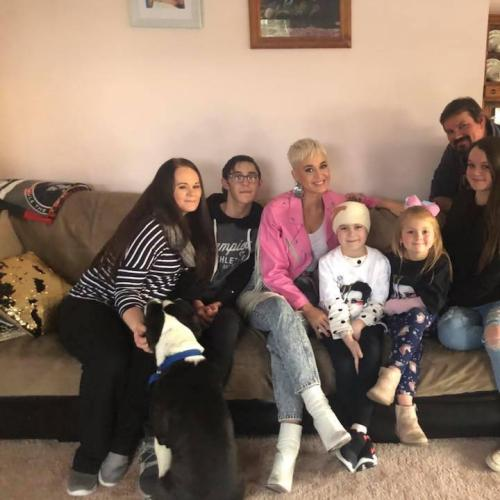 Katy Perry's Surprise Visit To Adelaide Home!