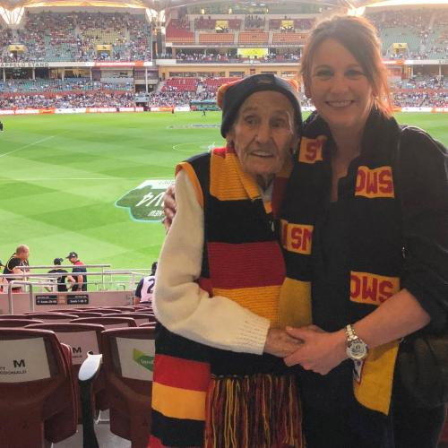 Nanna Joan Reviews Her First Afl Game, Aged 97!