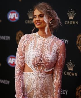 http://Samantha%20Dobbs,%20partner%20of%20Bradley%20Hill%20of%20the%20Dockers,%20arrives%20at%20the%202019%20Brownlow%20Medal%20at%20Crown%20Palladium.