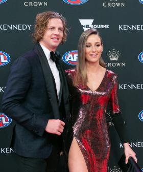 http://Fremantle's%20Nat%20Fyfe%20and%20Eleanor%20Bradshaw%20arrives%20ahead%20of%20the%202019%20Brownlow%20Medal%20at%20Crown%20Palladium.