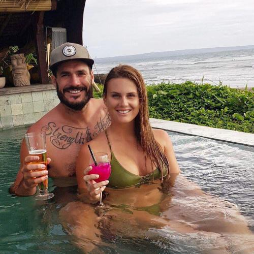 """Locky's Ex-Girlfriend Claims He Signed Up For The Bachelor """"For Publicity"""""""