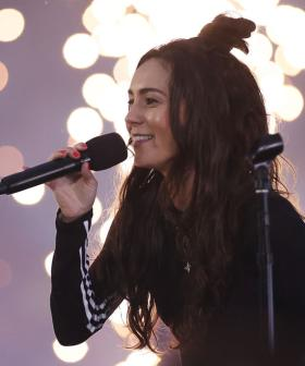 Amy Shark Reveals How She Managed to Get Carpet Burn On Her Chin