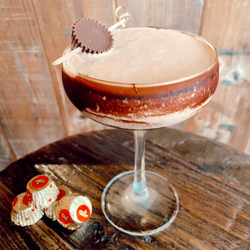 There's A Chocolate Peanut Butter Cup Cocktail And It Puts Willy Wonka To Shame